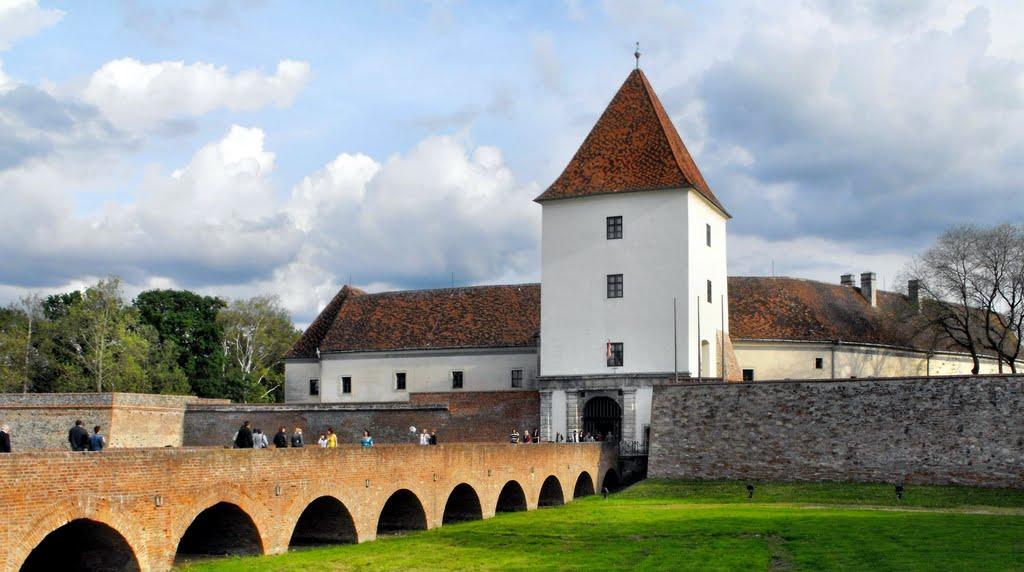 Sárvár – Nádasdy-várkastély-együttes és park