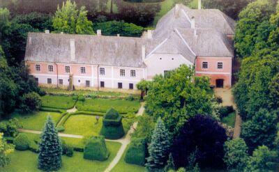 Bozsok – Sibrik Kastély és őspark